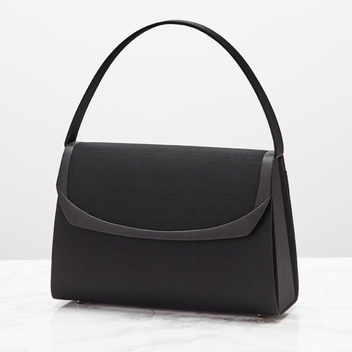 東京ソワールのおすすめフォーマルバッグ、涼やかな絽のブラックフォーマルバッグバッグ